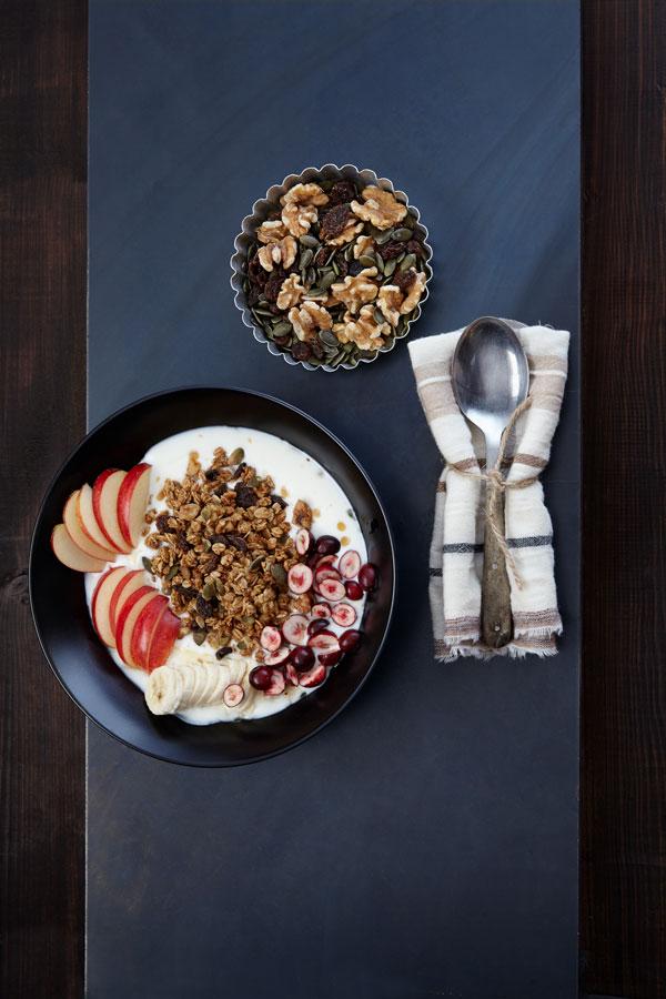 pumpkin-spice-granola-mit-joghurt