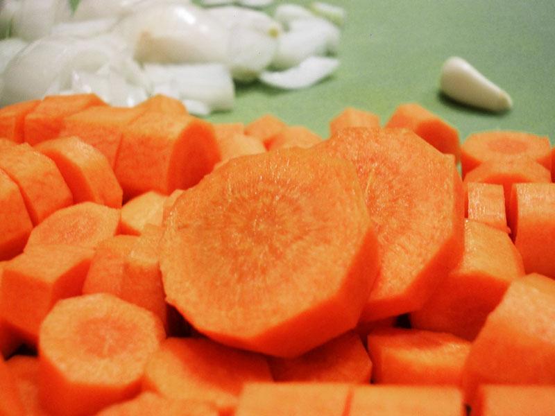 Karottensuppe mit Garam Masala und Chili