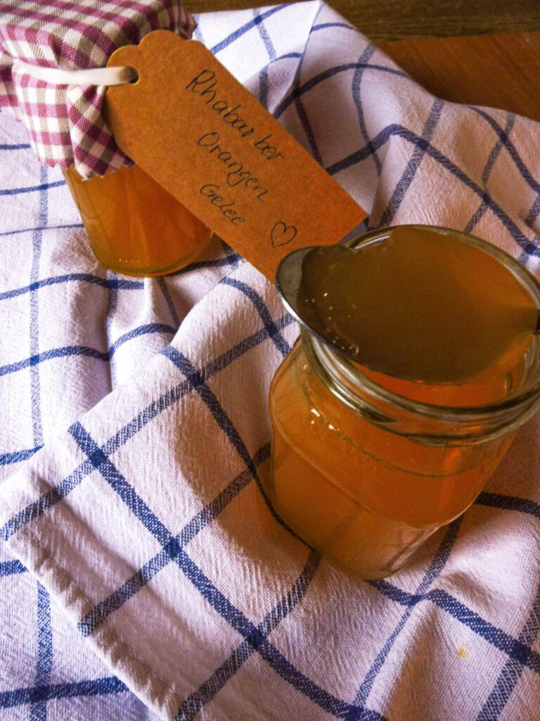 Rhabarber Orangen Gelee - lecker und frisch - Flockelicious